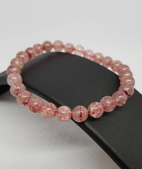 Strawberry quartz beaded bracelet