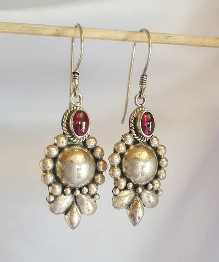 Sterling silver cabochon garnet earrings