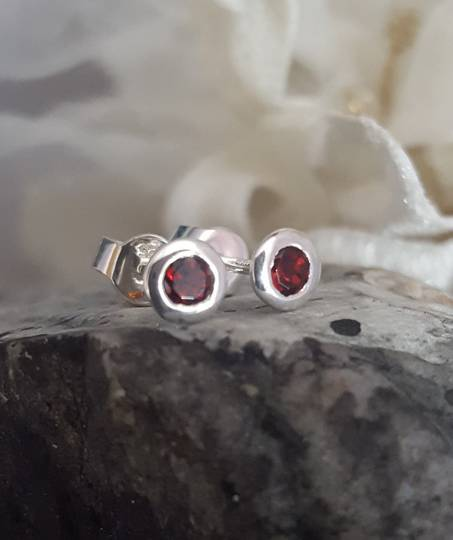 Silver garnet stud earrings