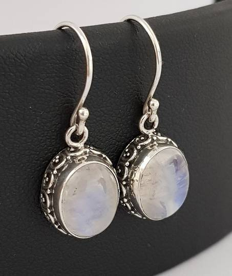 Moonstone earrings with stunning filigree frame