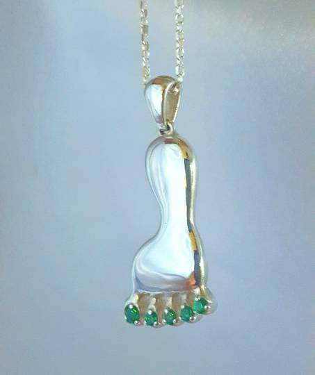 Made in NZ, quirky silver foot pendant with green quartz