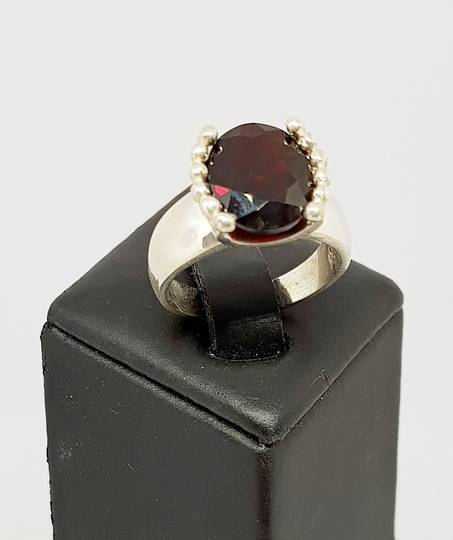 Sterling silver facet cut garnet ring