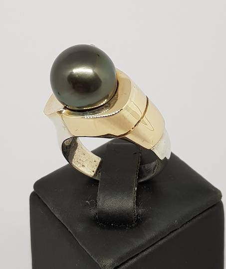 Black Tahitian pearl silver ring - with solid gold