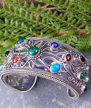 Natural gemstone cuff (slave) bangle