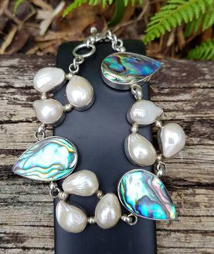 NZ paua shell and fresh water pearl bracelet