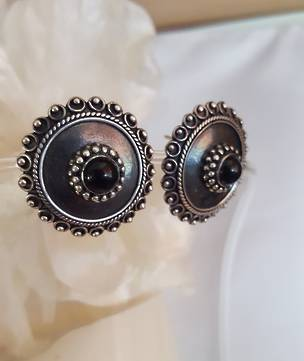 Large onyx stud earrings - free courier in NZ