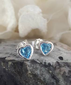 925 silver heart blue topaz stud earrings