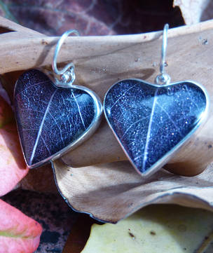 Blue skeleton leaf silver earrings - heart shaped