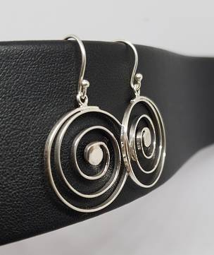 Round spiral earrings on hook