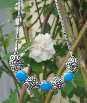 Exclusive and original - turquoise necklace
