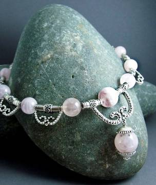 Exclusive and original - rose quartz necklace