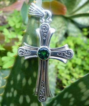 Sterling silver green quartz cross pendant necklace