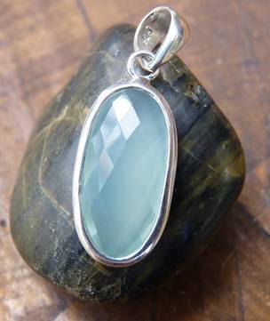 Sterling silver chalcedony pendant