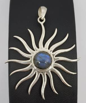 Sterling silver starburst pendant with labradorite