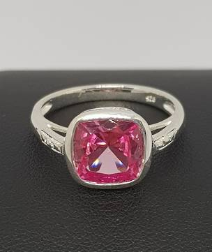 Princess cut sparkling pink gemstone ring