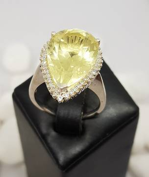 Large pear shape lemon quartz silver ring