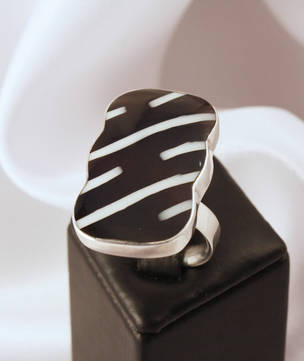 Stylish black and white silver ring, always on trend