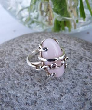 Romantic rose quartz ring in sterling silver