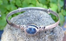blue_sapphire_baby_bangle_September_birtshtone_1.jpg