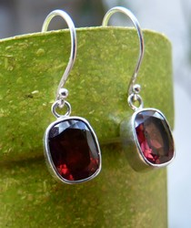 E069 rectangle red garnet earrings