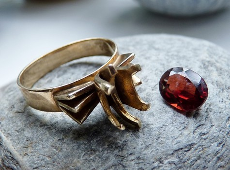 old fashioned garnet ring
