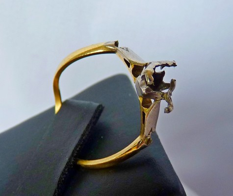 damaged gold ring
