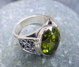 silver_peridot_ring_close_up_1.JPG