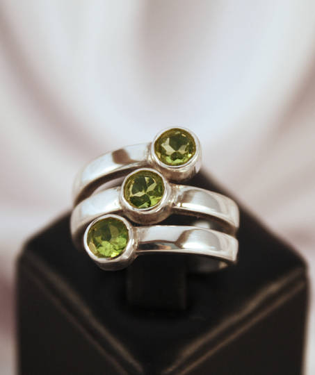 Three Stone Fresh And Fun Green Stone Silver Ring