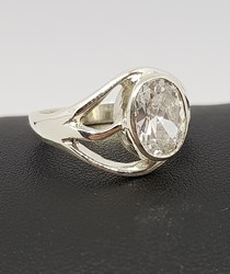 R255-sterling-silver-cubic-zirconia-ring-made-in-NZ