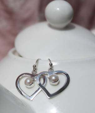 Silver heart earrings with gorgeous white pearl